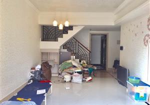 金地名峰 高层精装四房 有入户 满两年 拎包即住