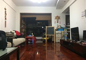 雅云轩精装两房 可改三房 安静周边无大马路