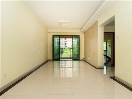 阅山公馆,全新装修三房,客厅朝南看别墅景观,位置安静