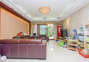 星海名城六期 精装大三房 带200平台花园 安静