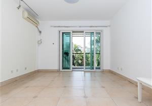 阳光棕榈园南向安静2房 户型方正实用 客厅出大阳台看花园