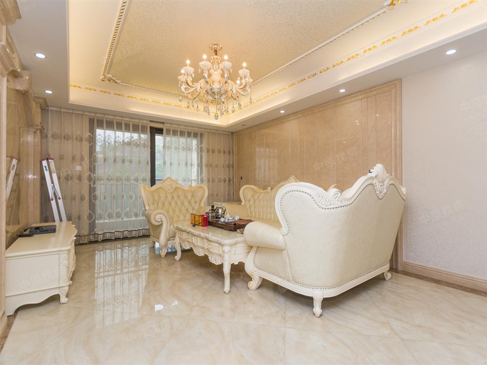 桃源峰景园 欧式豪华装修4房,客厅出阳台可看铁岗水库景观