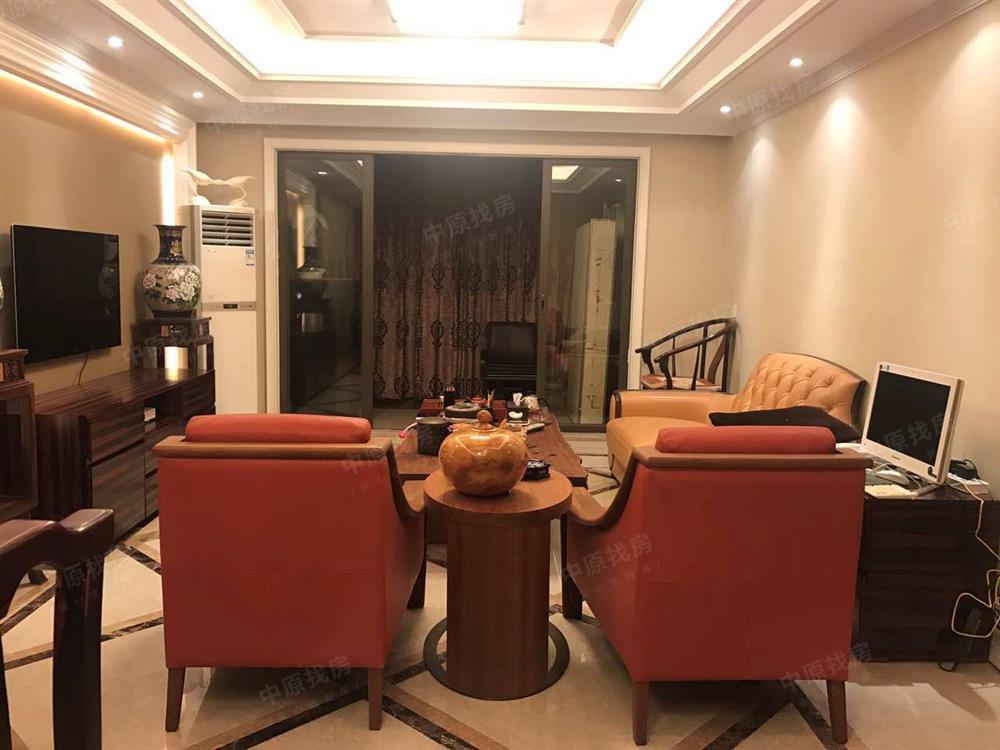 万科金色领域精装修大3房 满五年 户型方正 看房方便