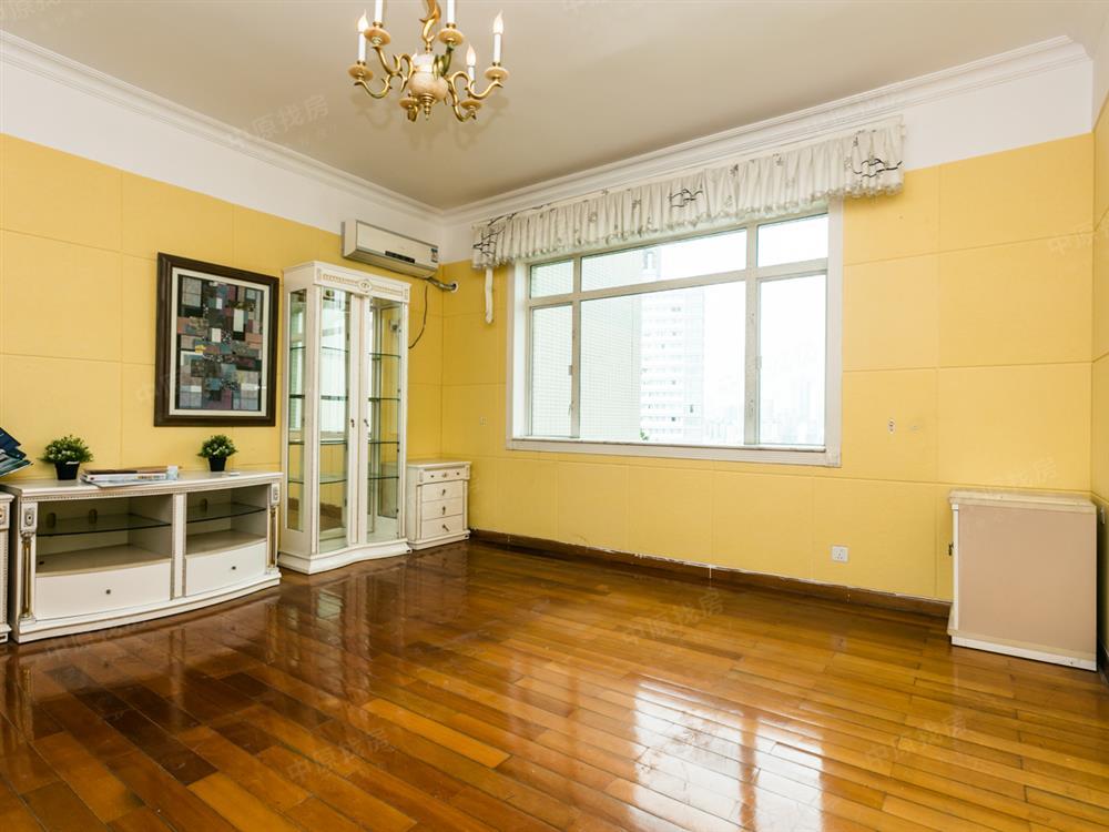好房子价格还便宜,看好还可以谈,看房方便