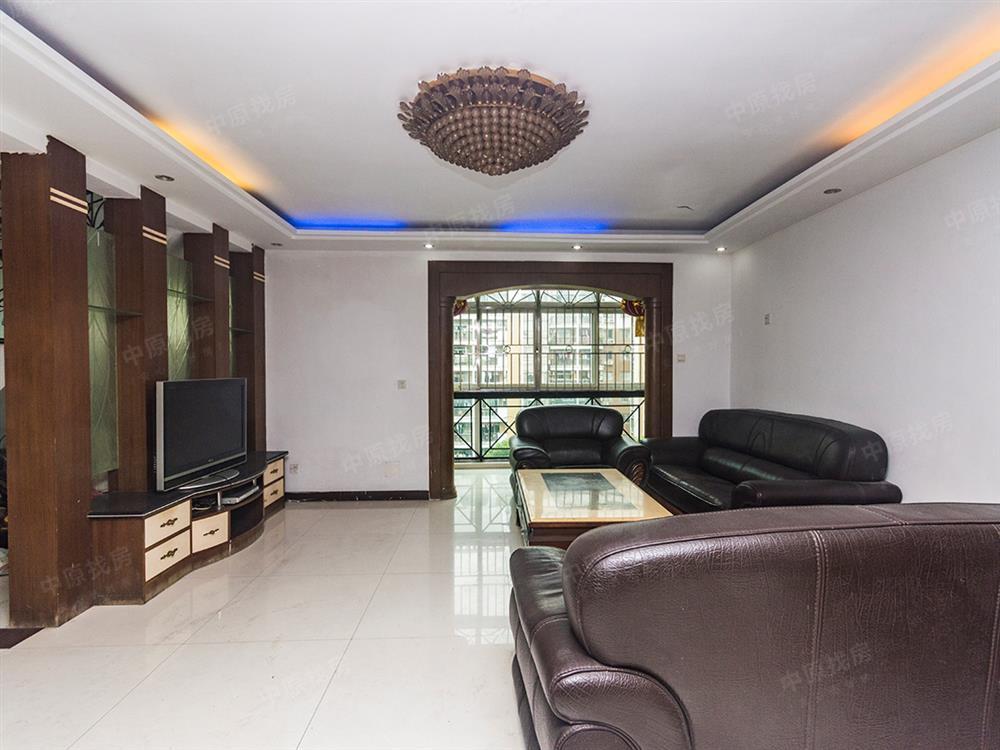 顶复大6房,户型方正格局高大上,价格可以优惠。