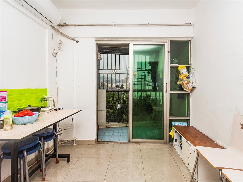 福永11号线物业景山花园全新装修一房一厅 看房方便