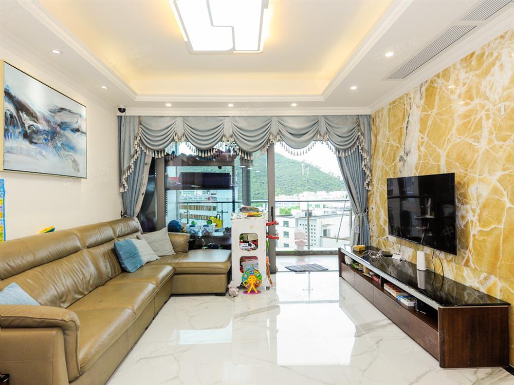 西丽标杆住宅,博林天瑞一期精装满五,深圳唯/一业主诚心出售房