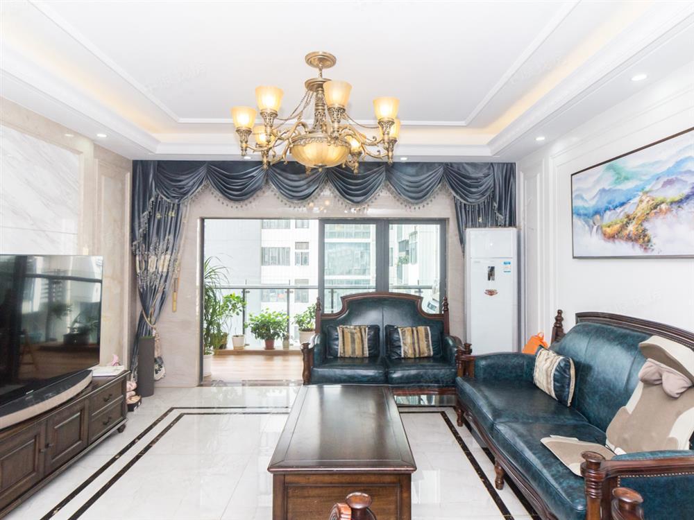 沙井地铁口,西荟城三房 楼下沃尔玛 业主诚心出售 方便看房