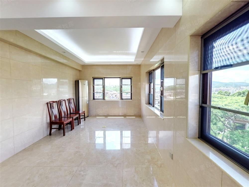 和黄观湖园上叠院175平豪华装修,业主急售1050万