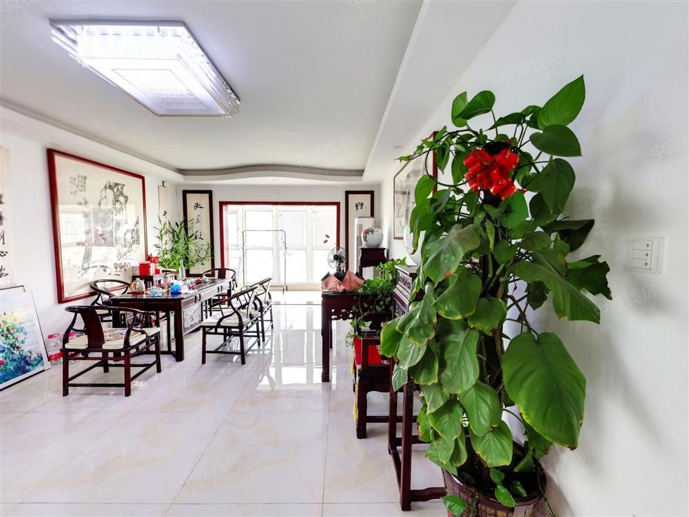 万福人家精装三层复式三房,使用面积250平,红本在手,豪华装