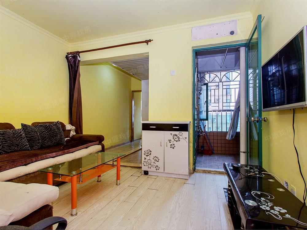 凯悦华庭  无需名额 住宅性质 中层一房 看房有钥匙