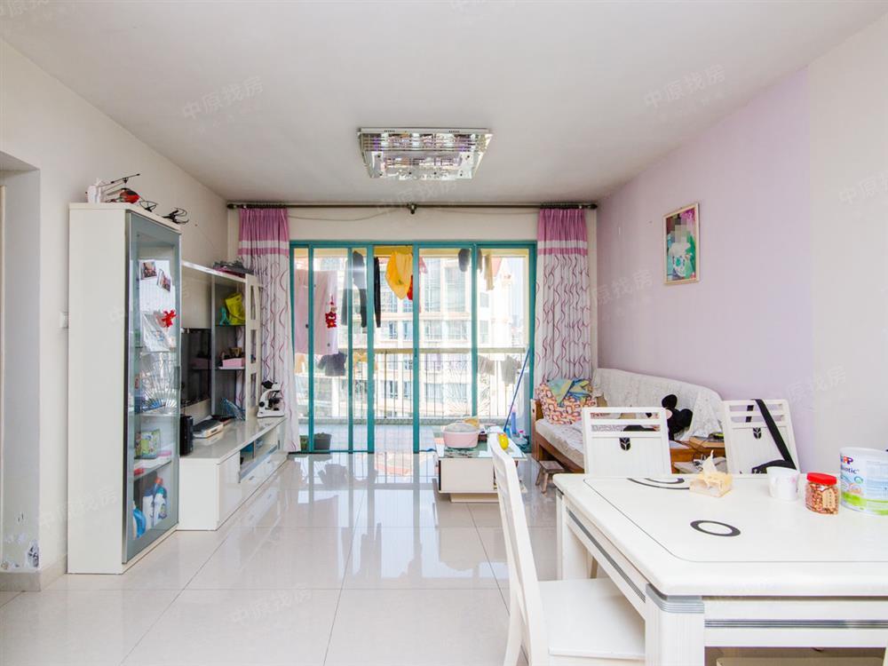 厅出大阳台,满五红本少税,可拎包入住,性价比高,看房方便