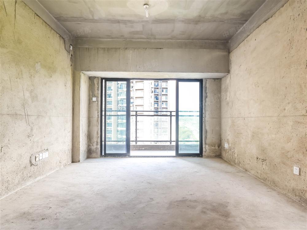 98平复式7房 3代同堂  享受其乐融融  看房方便