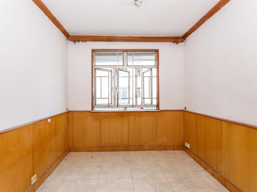 德兴大厦 口岸旁边 楼下双地铁口 高层精装两房 满两年无税