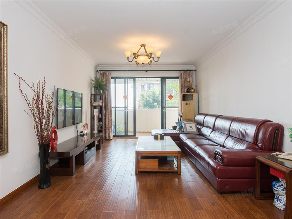特殊户型 送15平室内面积 装修保养得非常好 诚心出售
