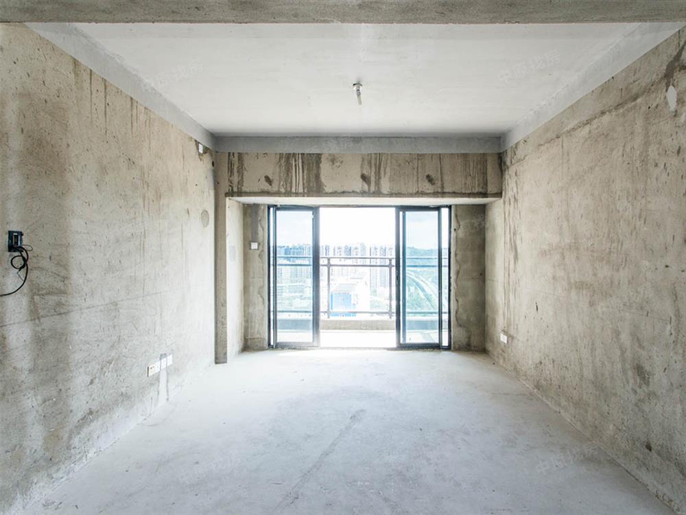 大运中芯+真复试住宅+套内实用面积搞到150平米+全新毛坯房