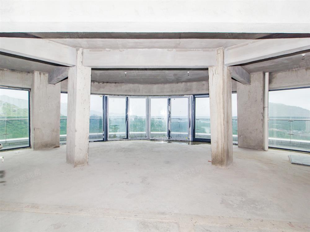 (768万)30多米超长阳台 山湖海景一览无遗 顶层复式