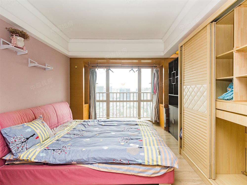 财富港大厦 B座 ,精装两房,近地铁,周边配套完善,看房预约