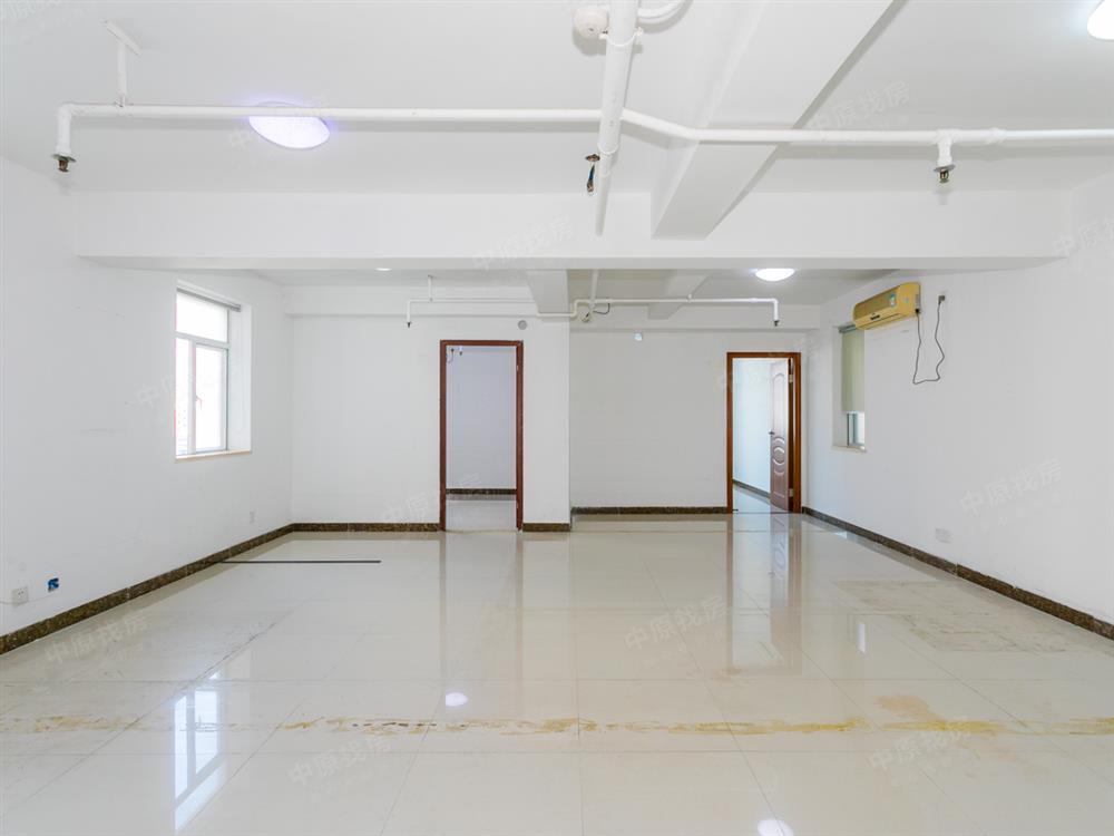 怡海广场 总价390万 仅一套此户型出售 诚心出售 价格可议